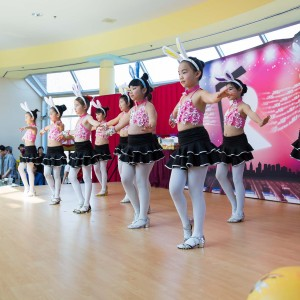 1430 Happy Easter at FMP-5979